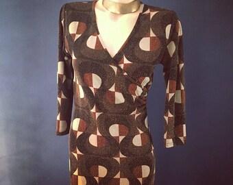 Retro wrap brown dress