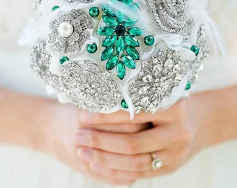 Custom Emerald Brooch Bouquet - Green Bridesmaids bouquet, Silk Flower Bouquet, Wedding Bouquet, Jewelled Bouquet, Bridal Bouquet - 6 inch