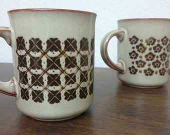 A pair of Kiln Craft mugs - vintage brown mugs - set of 2 Kilncraft floral mugs