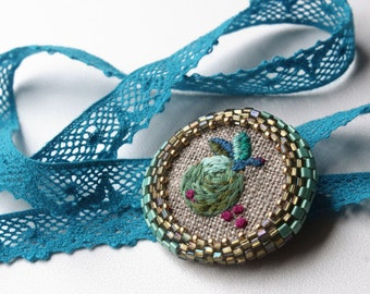 Embroidered Brooch with bead, embroidered brooch, handmade embroidery,small brooch, green apple brooch,handmede gift,gift for her,embroidery