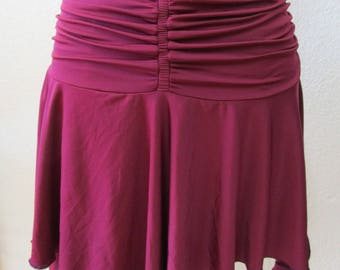 Burgundy color skirt with gathered design plus made in USA. (vn90)