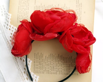 Flower crown Red roses crown Large flower fascinator Floral headdress Red Fascinator Flower head piece Black and red hair piece Red crown