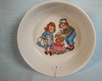"""Vintage--1969-Raggedy Ann And Raggedy Andy Bowl By Oneida-4 3/4"""" Across"""