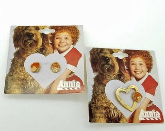 ON SALE Very Rare Little Orphan Annie 1982 Enamel Stud Earrings & Pin on Original Cards