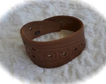 Lovely leather bracelet