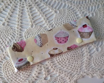 """Cute Cupcakes DPN Cozy for 6-7"""" Double Pointed Knitting Needles! Easy Snap Closure and Perfect for Circulars Too!"""