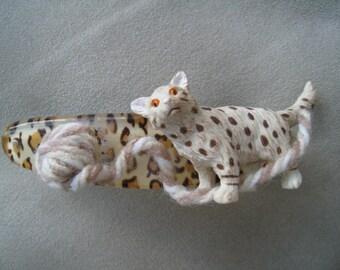 Cat Barrette