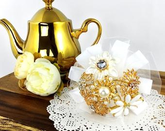 Wedding Brooch Bouquet, Broach Bouquet, Brooch Bouquet, Gold Bouquet, Flowergirl Bouquet, Bridesmaid Bouquet, Gold Brooch, Button Bouquet