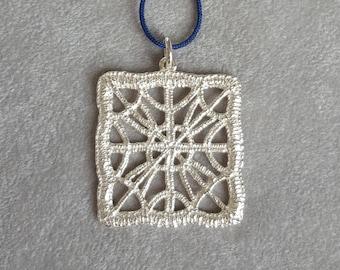 Silver pendant - Square lace