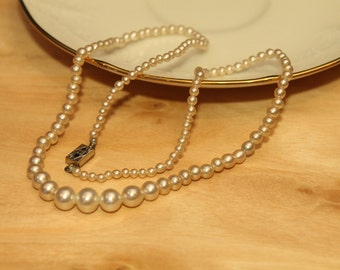 Vintage Graduated Glass Pearl Necklace with Filigree Silver Tone Clasp