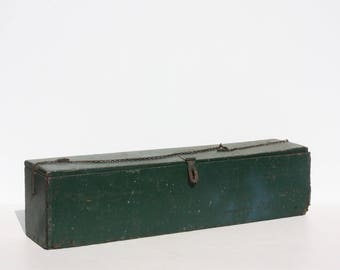 Vintage Wood Tool Box Tool Caddy Box Crate Tote Trug Storage Green Handled Rustic Primitive Country Farmhouse Harvest Table Christmas Decor