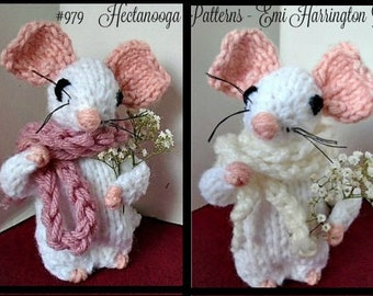 Knit mouse - KNITTING PATTERN- 4.5 to 5 inch tall- Worked flat, plushie, softie, amigurumi, animal, #979
