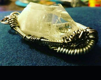 Wire wrap stone