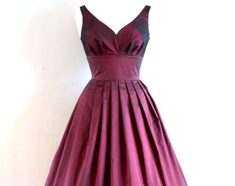 Burgundy Taffeta Sweetheart Prom Dress - Made by Dig For Victory