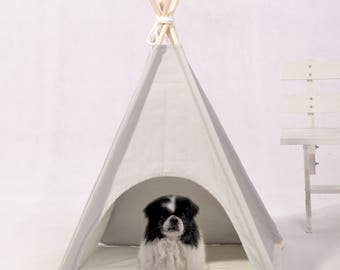 Light grey pet teepee with mat