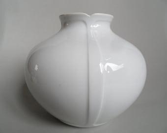 Fürstenberg shiny white porcelain vase,white Vintage porcelain vase,german  porcelain