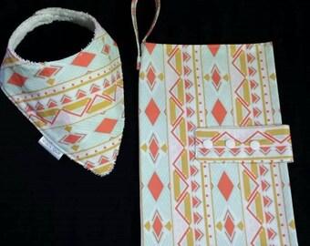 Nappy wallet and Dribble bib set - Gift set - Baby Shower gift - Nappy Clutch - Baby bib - Drib - Matching set