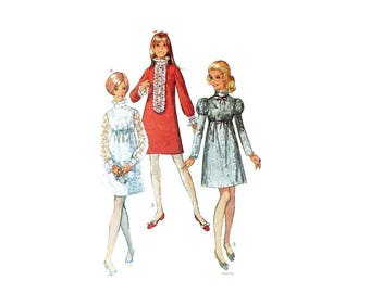1960s Vintage Sewing Pattern - Simplicity 7932 - Mod Wedding Empire Mini Dress