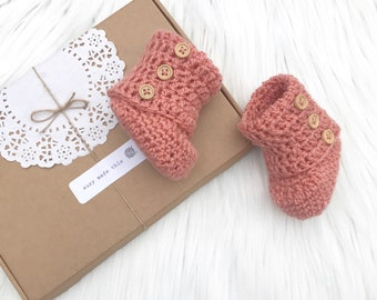 Baby shoes, crocheted baby shoes, baby booties, baby shower gift, crochet baby booties, newborn,  baby shoes, gift for baby, baby girl gift
