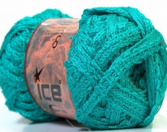 Ball of yarn for Emerald ruffle scarf with sequins