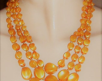 1950S   necklace PERSPEX BEADS