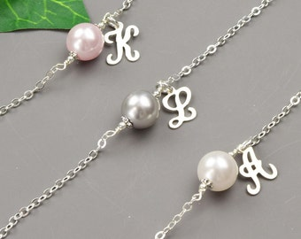 Pearl Bridesmaid Jewelry SET OF 7 Initial Bracelets - Pearl Bracelet for Bridesmaids - Personalized Bridesmaid Gift - Bridal Party Gifts