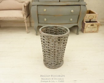 Miniature Basket, Braided metal, Imitation Wicker, Gustavian Gray aged, Accessory for a dollhouse, attic, conservatory, in 1:12th scale