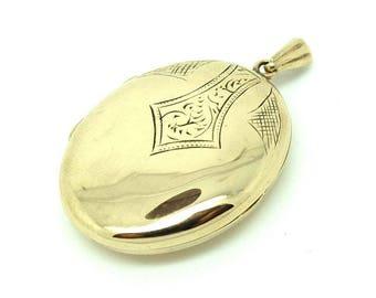 Antique Edwardian Oval Gold Locket   Oval Locket   Edwardian Gold Locket   Engraved  Gold Locket   9ct gold Locket   Oval Plain Gold Locket