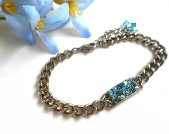 Chain bracelet with Swarovski crystals blue