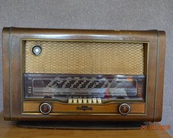Vintage radio station