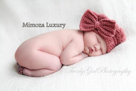 Newborn beret hat, merino wool newborn hat with detachable bow brooch, photography prop newborn hat, girly photo prop wool hat with bow