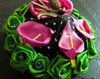 Bar brooch with black polka dots and flowers and swallows romantic