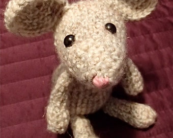 Milo the Mouse. Easy to Follow, Simple and Adorable Crochet Amigurumi Mouse Pattern.