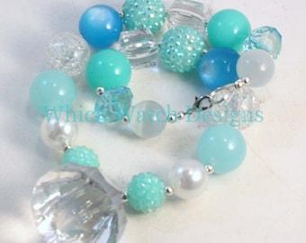 Eisprinzessin... Klobige gefrorene inspiriert blauen, grünen und weißen Kleinkind Bubblegum Halskette, Kristall Anhänger