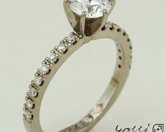 18 ct. White Gold and Diamonds Engagement Ring - Classic and Ornamental