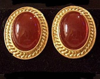 Orange Rust Pierced Earrings Gold Tone Vintage Oval Dome Clear Lucite Swirl Ribbed Edge
