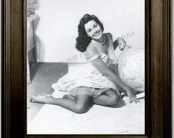 Gil Elvgren Pin Up Girl Art Print 8 x 10 - Painting Reference Photo - Pinup with Globe - Teacher - Rockabilly
