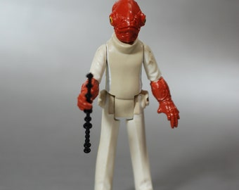 Vintage Star Wars Complete Admiral Ackbar Action Figure with Reproduction Staff by Kenner