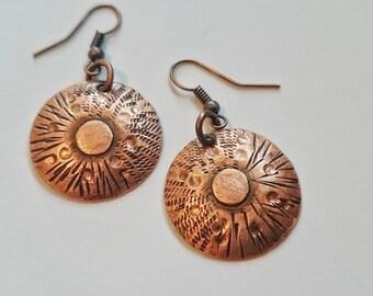 Copper earrings,hammered,handstamped