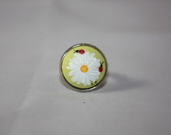 Daisy and lime green Ladybug ring