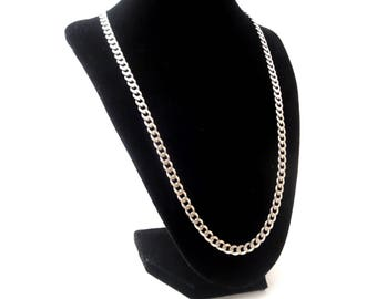 Solid Vintage Unisex Men or Woman's 925 Italy Marked Sterling Silver 29.4 Grams Single Strand Figaro Chain Necklace