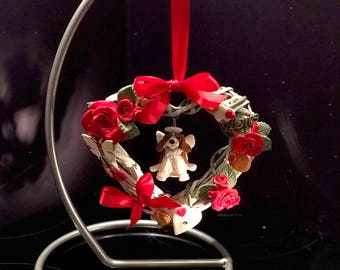 Bespoke dog cat pet sculpture in decorated heart wreath