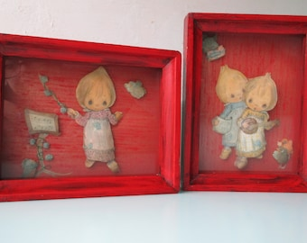 Pair of 1970s Paper Tole Shadow Box Pictures of 'Precious Moments' Girls Singing n Banjo Playing to Lil' Birds, Musical 3D Shelf Art Adorbs!