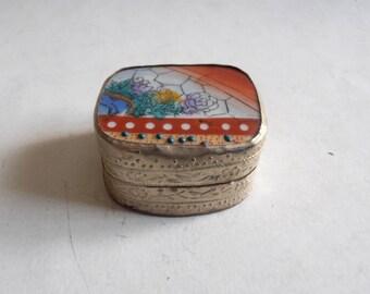 vintage porcelain lidded metallic jewelry, trinket box