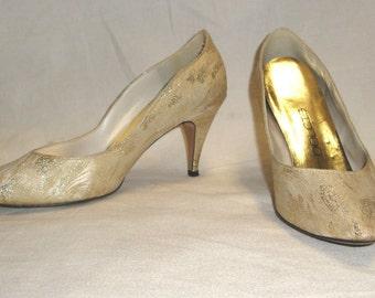 Vintage Dolcis 1980's Women's Gold Metallic Beige Pumps Heels Shoes Size 7 1/2 M
