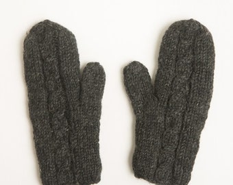 Cable Mitten