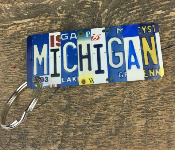 Michigan License Plate Keychain -Key Ring bag tag - Gift for Mom / Wife / Daughter / Friend