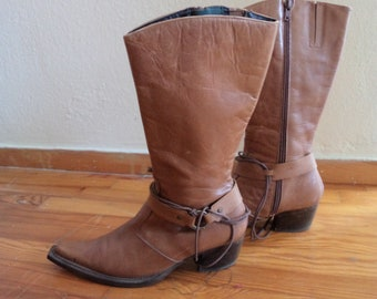 Second hand cowboy boots for women