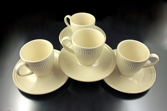 Cups And Saucers Wedgwood Windsor Set Of 4 Ribs And Dots