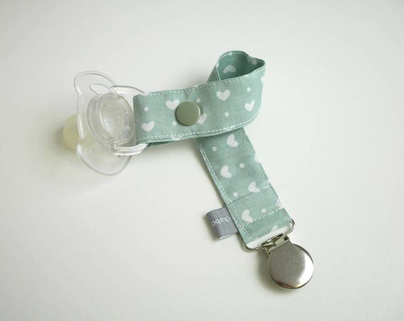 Pacifier clip - snap - clip - hearts - light green - white - cotton fabric - baby - boy - girl - baby gift - baby shower - dummy